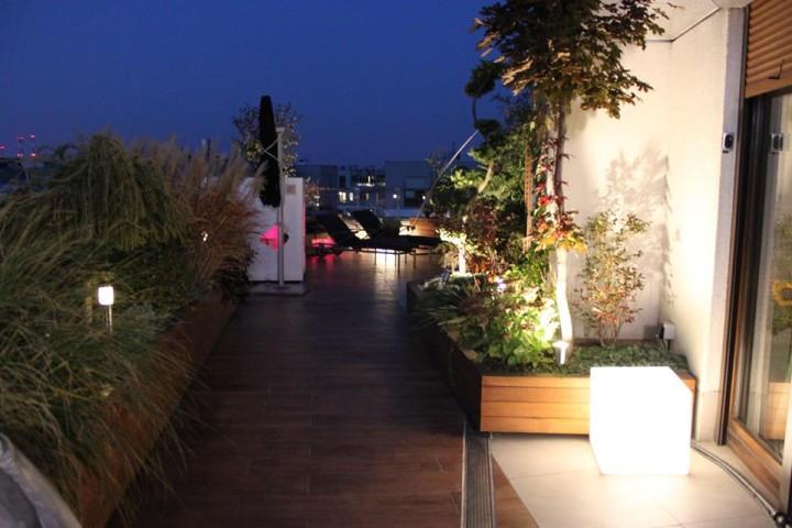 Oświetlenie LED - Ogród na dachu apartamentowca