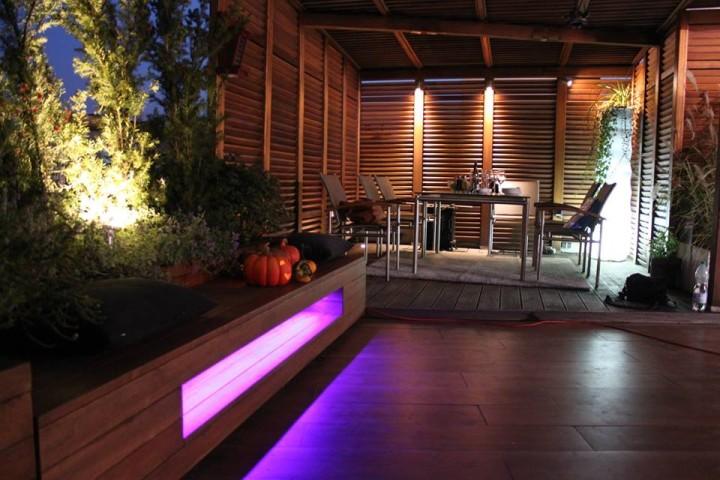 Oświetlenie LED i RGB LED tarasu. Ogród na dachu.